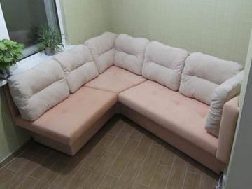 Угловой диван для лоджии с эркером на заказ