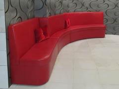 Радиусные диваны для холла на заказ