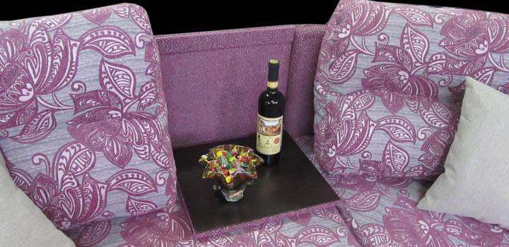 Радиусный диван с откидным столиком