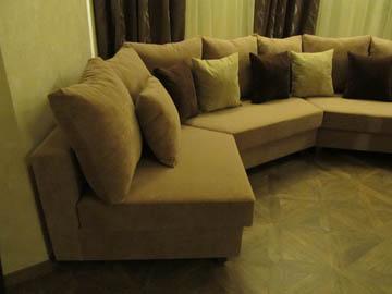 Эркерный диван для гостиной