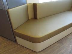 Изготовление нестандартных диванов для эркера