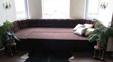 Эркерный диван со спальным местом