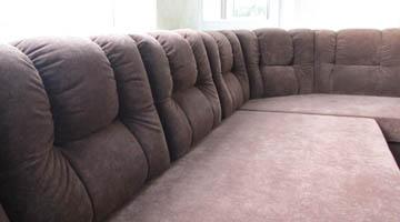 Эркерное исполнение мягких диванов