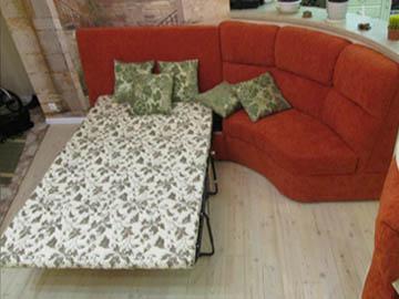 Эркерный диван для холла со спальным местом
