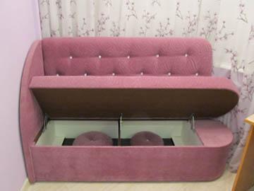 Эркерные диваны для лоджии на заказ