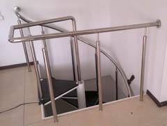 Винтовая лестница на третий этаж