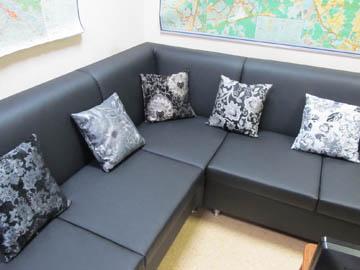 Угловые диваны для офиса