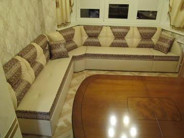 Нестандартные диваны для эркера со спальным спальным местом