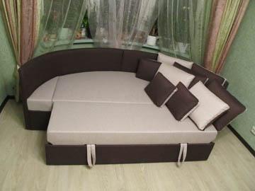 Эркерный диван в гостиную со спальным местом на заказ