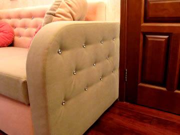 Мягкая мебель со стразами
