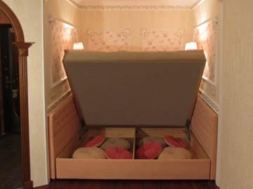 Декор диванов стразами