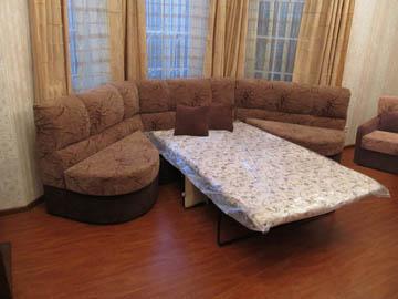 Эркерный диван в гостиную со спальным местом