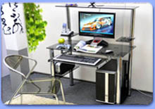 Столы компьютерные и для ноутбуков из стекла